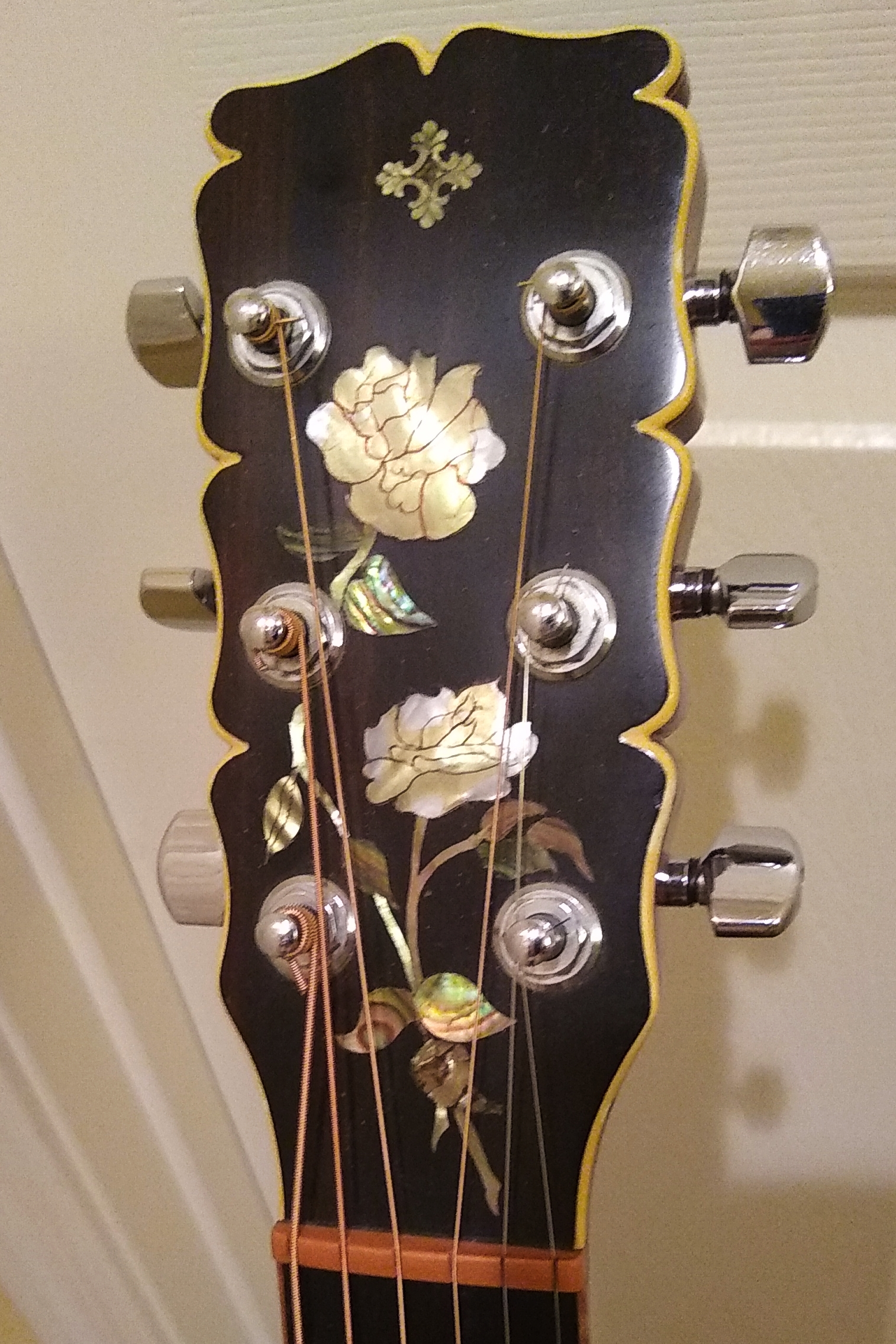 Novotny custom concert headstock inlay